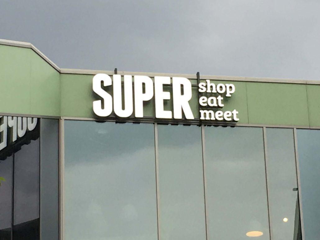 Super- Litery przestrzenne