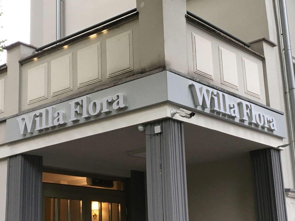 Willa Flora- Litery Przestrzenne